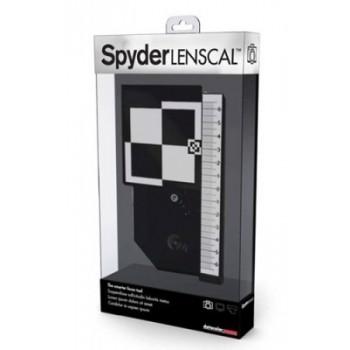 Datacolor SpyderLensCal - zestaw pozwalający na korekty ostrości zestawu aparat/obiektyw